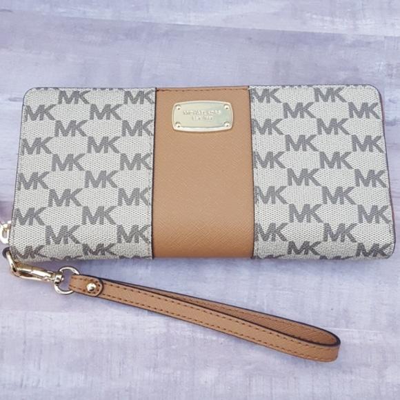 dce54d09201595 MICHAEL Michael Kors Bags   Michael Kors Continental Wristlet Wallet ...
